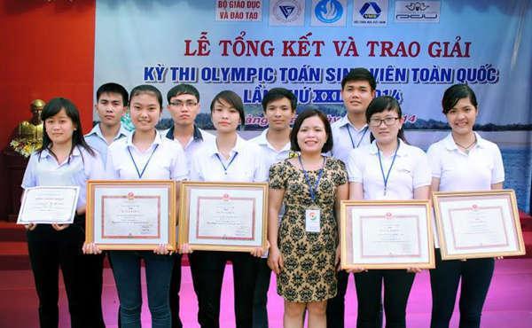 Đội Olympic Toán học nhận giải